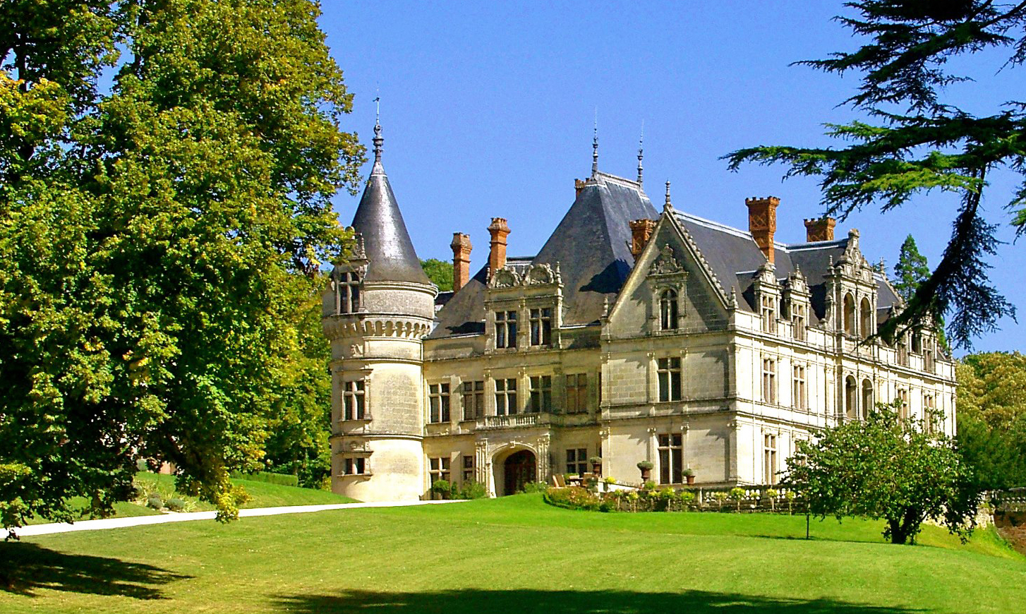 Win a Trip to Loire Valley!